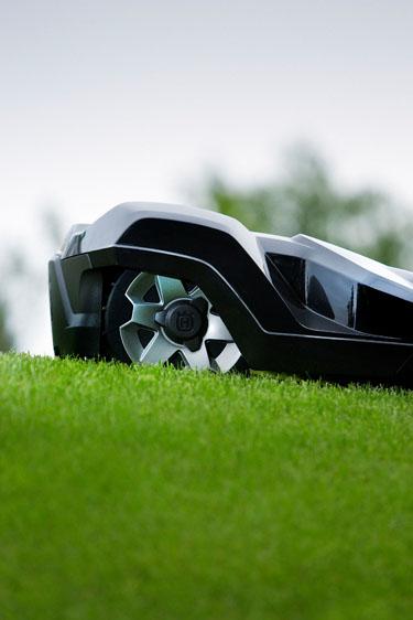 Boerger-Motorgeraete-Husqvana-Automower-Protect-HanseMerkur-Versicherung